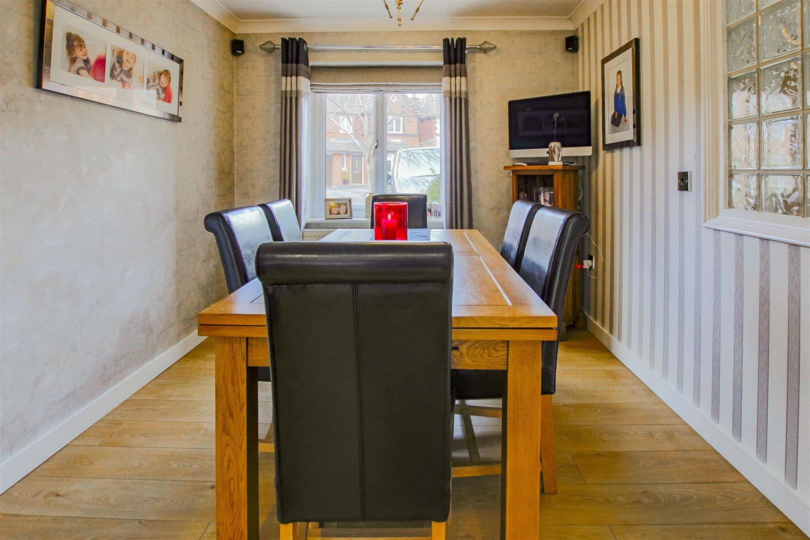 4 Bedroom Detached House For Sale - redwing31761.JPG